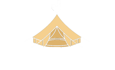 logo roost glamping